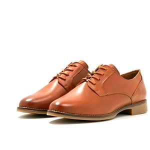NWT Leather Oxford Shoes
